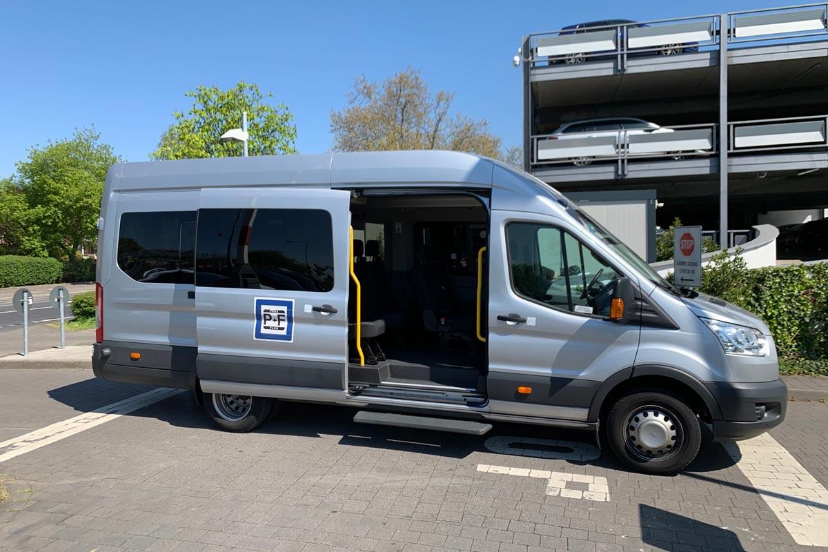 Shuttlebus Park & Flug